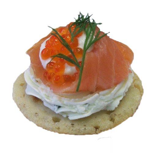 Blinis mit Räucherlachs und Forellenkaviar